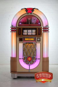 1015 Jukebox - 8750 - The greatest jukebox ever made – redefined for the modern age! The 1946 Wurlit